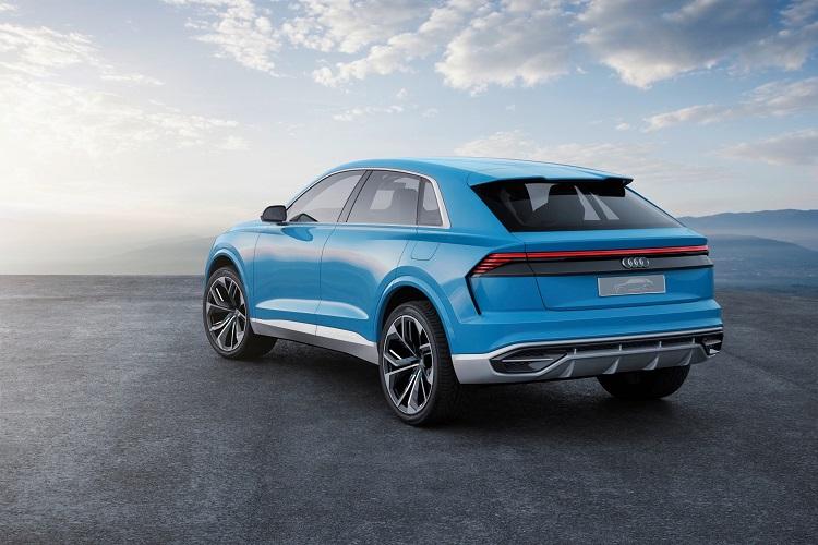 2018 Audi Q8 rear view