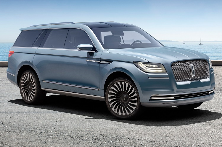 2018 Lincoln Navigator front view