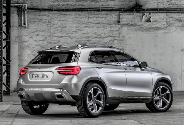 2018 Mercedes GLA rear view