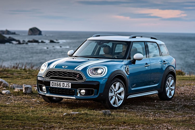 2018 Mini Countryman front view