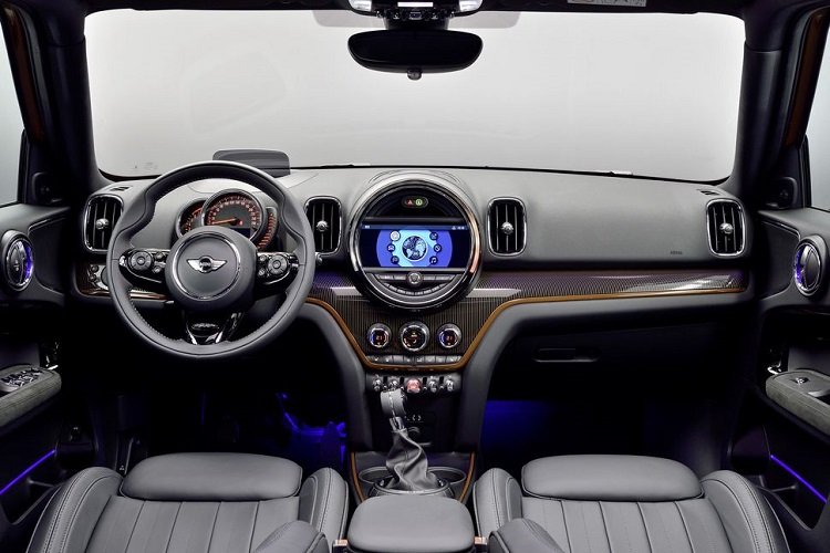 2018 Mini Countryman interior