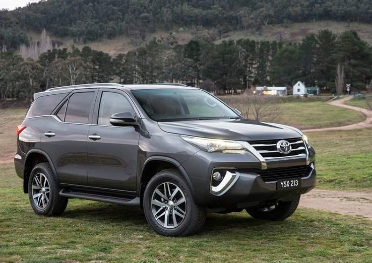 2018 Toyota Fortuner front view