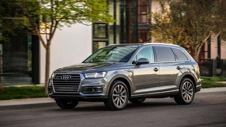 2018 Audi Q7 front view