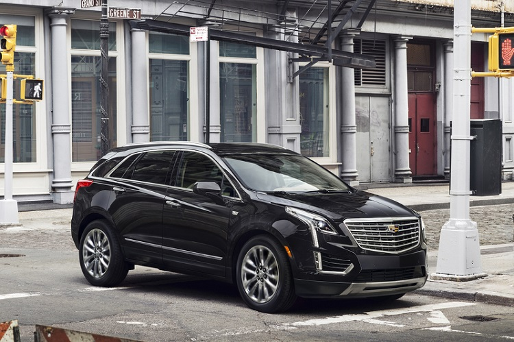 2018 Cadillac XT4 front view