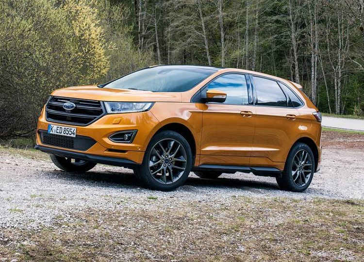 2018 Ford Edge front view