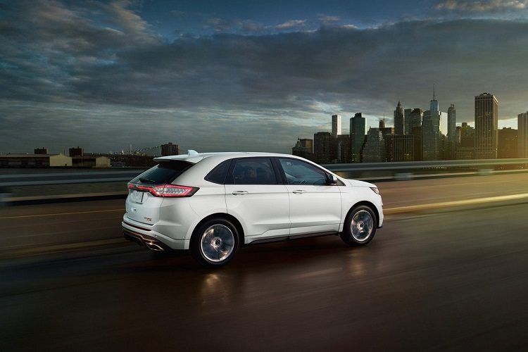 2018 Ford Edge rear view