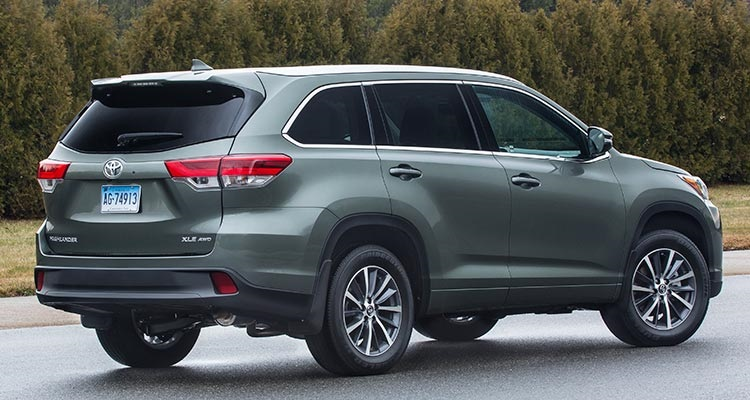 2018 Toyota Highlander rear view