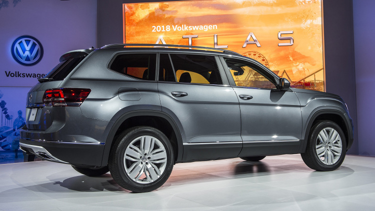 2018 VW Atlas rear view