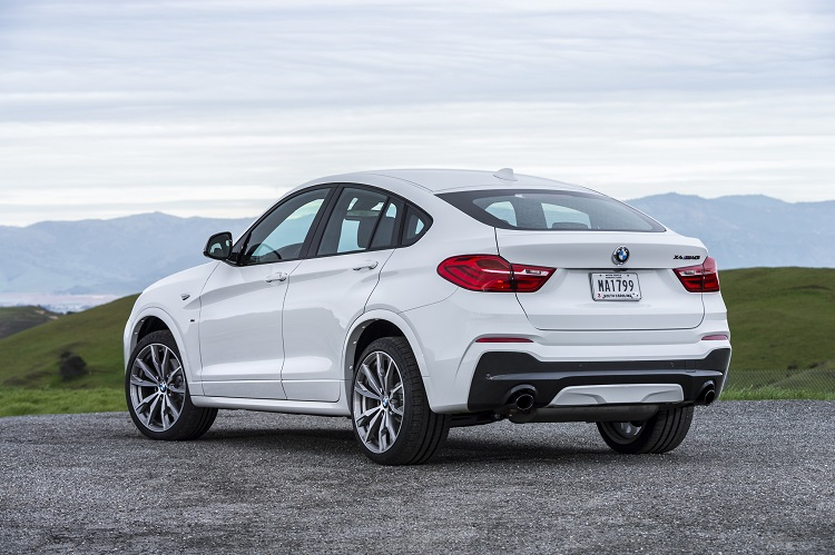 2018 BMW X4 rear view