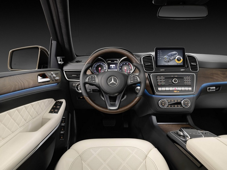 2018 Mercedes GLS interior