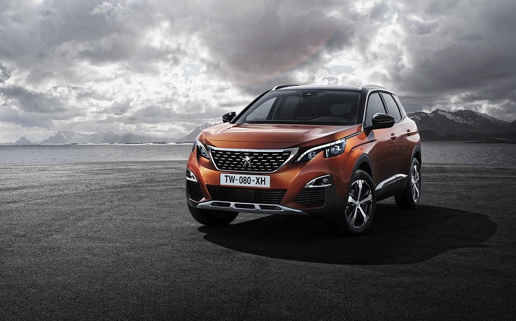 2018 Peugeot 3008 front view