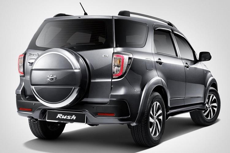 2018 Toyota Rush rear view