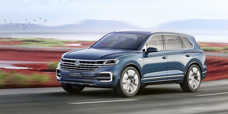 2018 VW Touareg front view