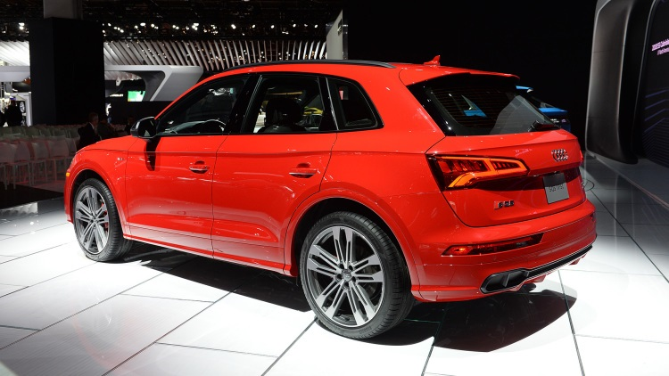 2018 Audi SQ5 rear view