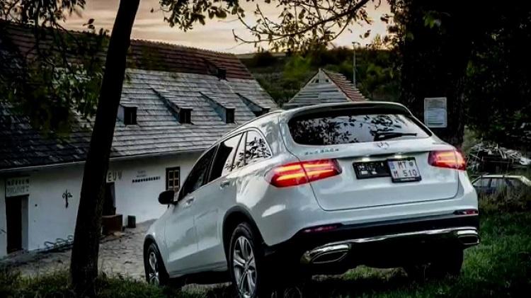 2018 Mercedes GLC rear view