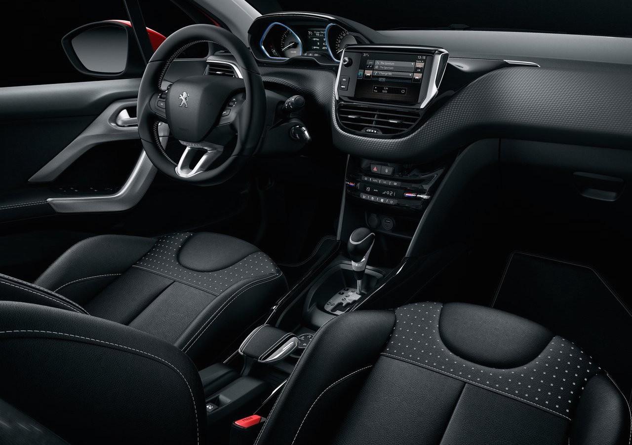 2018 Peugeot 2008 interior
