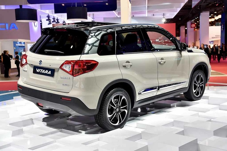 2018 Suzuki Grand Vitara rear view