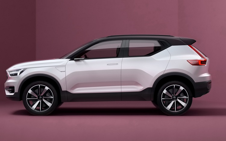 2018 Volvo XC40 side view