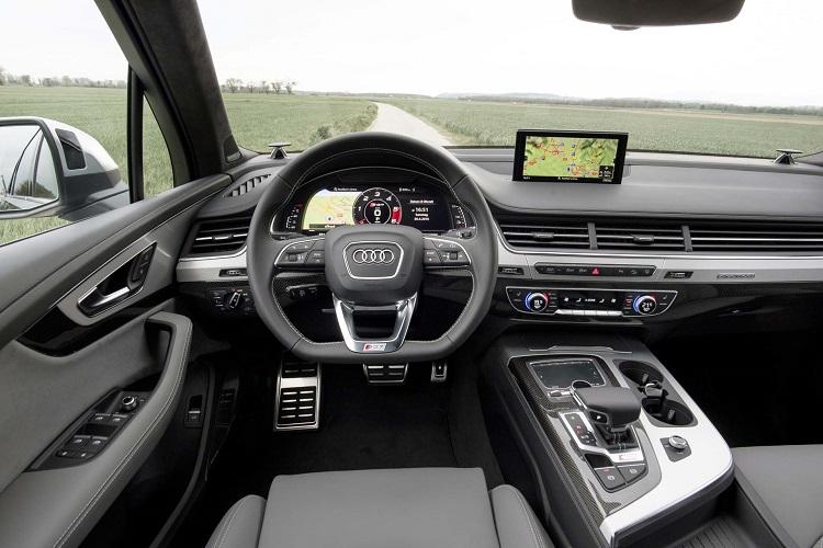 2018 Audi SQ7 interior