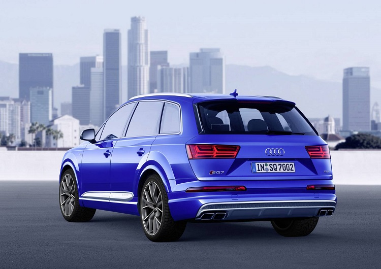 2018 Audi SQ7 rear view