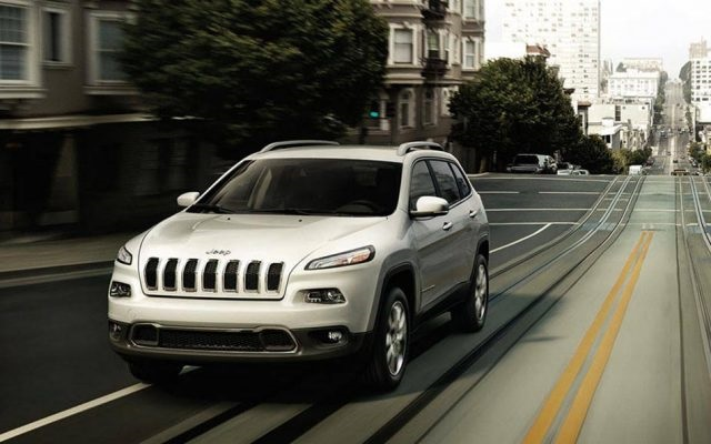 2018 Jeep Cherokee front view