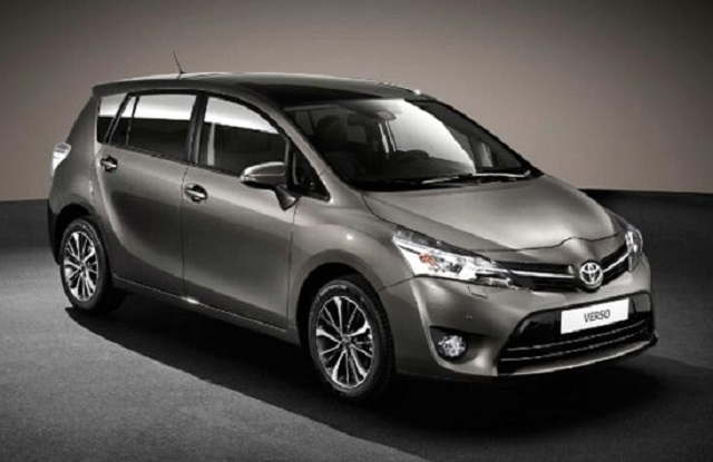 2018 Toyota Verso front view