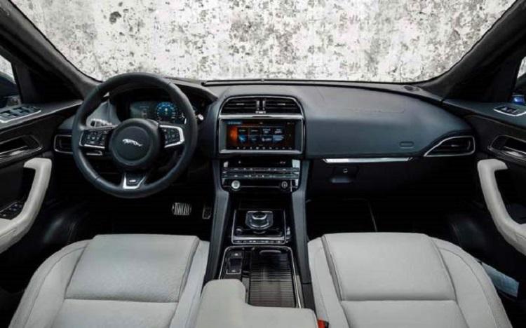 2018 Jaguar F-Pace SVR interior