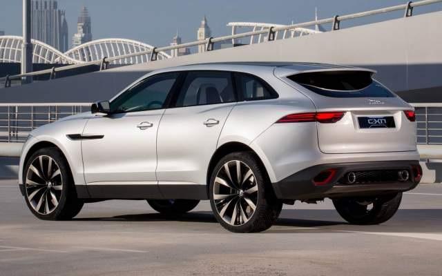 2018 Jaguar XQ rear view