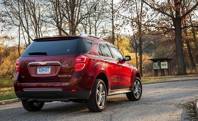 2019 chevy equinox rear view