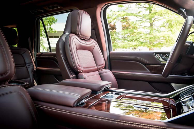 2018 Lincoln Aviator interior