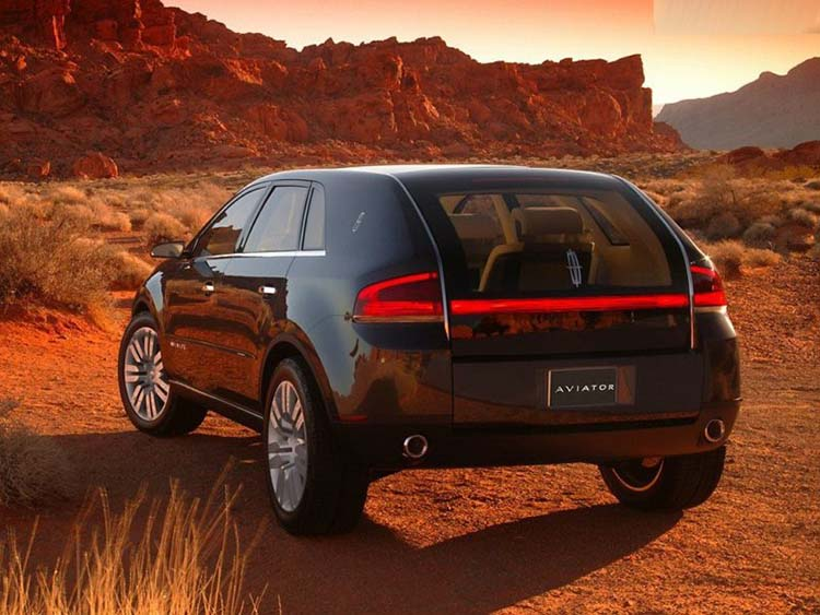 2018 Lincoln Aviator rear