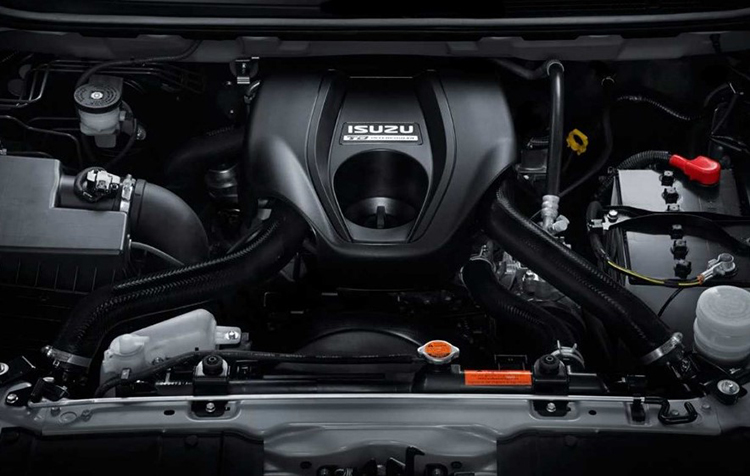 2018 Isuzu MU-X engine