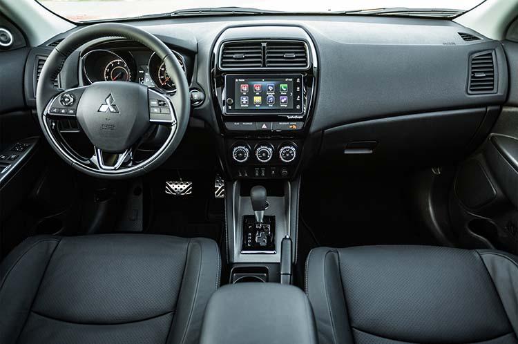 2018 Mitsubishi RVR interior