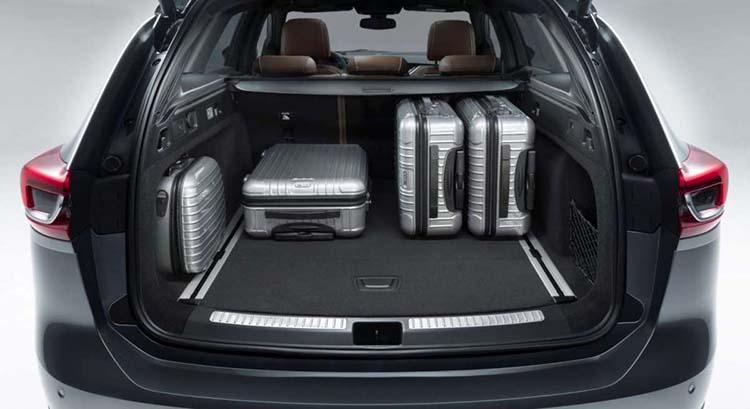 2018 Opel Insignia SUV trunk