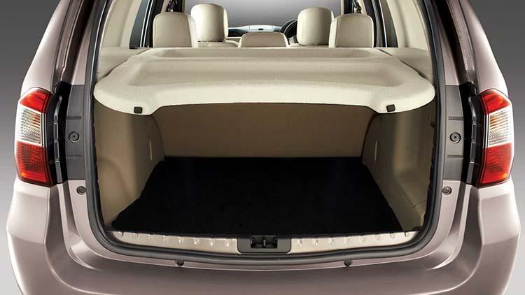 2018 Nissan Terrano trunk