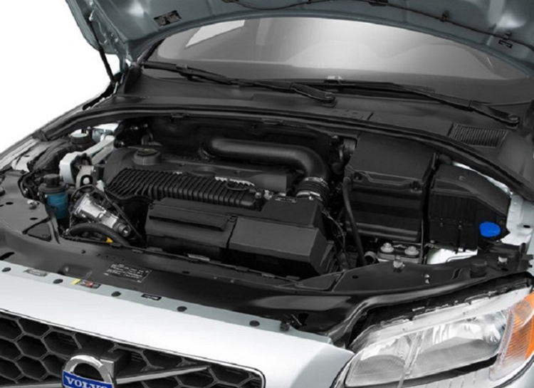 2018 Volvo XC70 engine