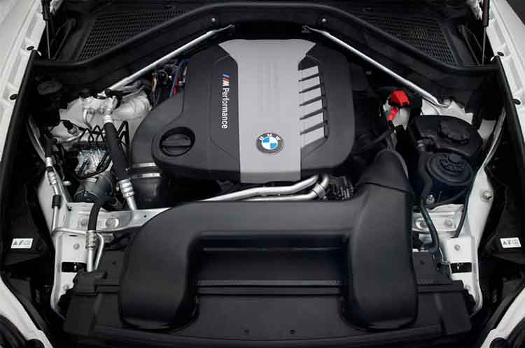 2019 BMW X6 engine