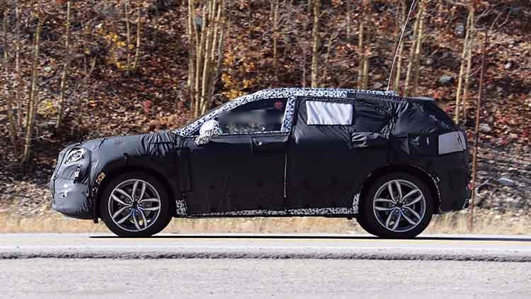 2019 Cadillac XT4 spied