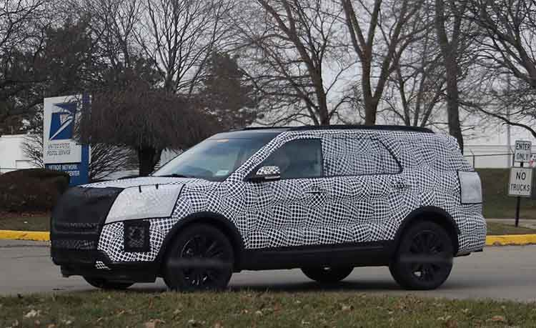 2019 Ford Explorer spy shot