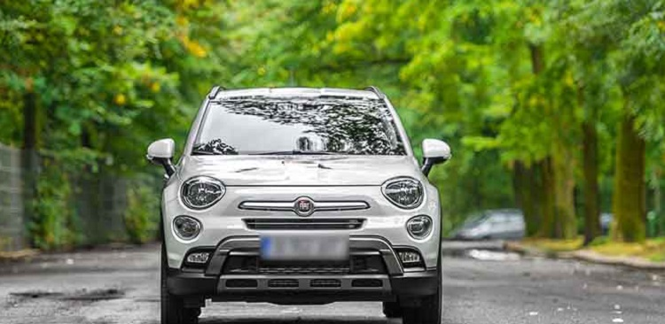 2019-Fiat-500x-front view