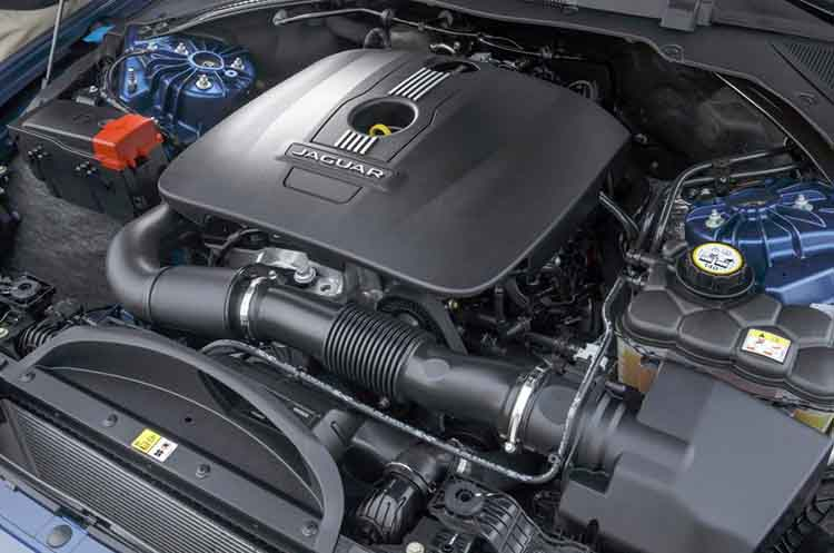 2019 Jaguar XQ engine