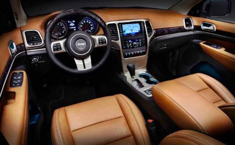 2019 Jeep Grand Cherokee SRT interior