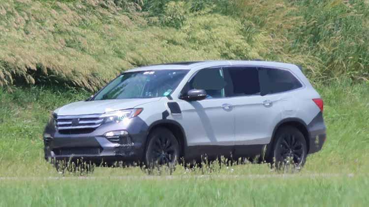 2020 Honda Pilot hybrid spy shots