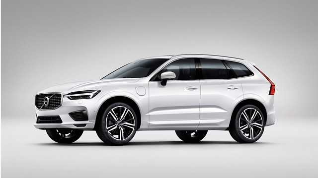 2020 Volvo XC50 side view