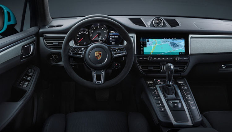 2020 Porsche Macan interior