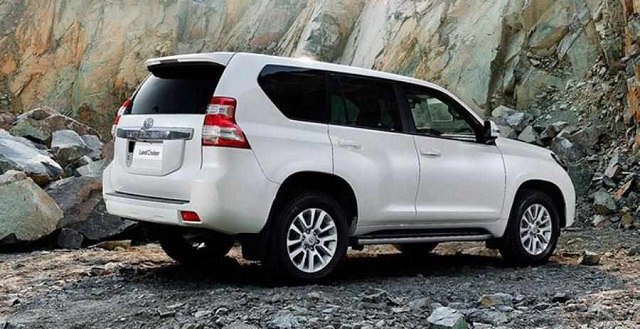 2020 Toyota Land Cruiser Prado rear view