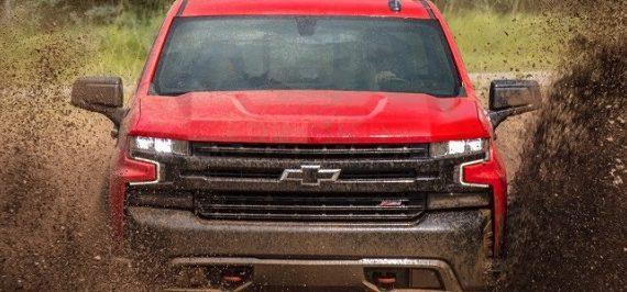 2020 Chevrolet Suburban front