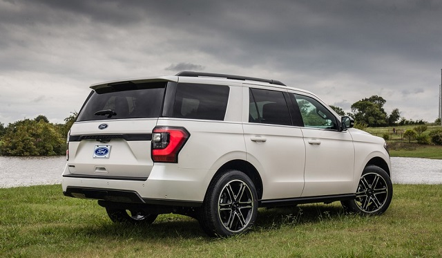 2021 Ford Expedition rear