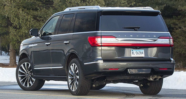 Lincoln Navigator rear view
